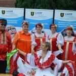 Farbenfrohe Kostüme beim Stadtteilfest (B.L)